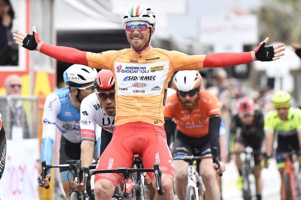 Foto LaPresse - Fabio Ferrari 4 Aprile 2019 Palermo (Italia) Sport Ciclismo Il Giro di Sicilia 2019 - Tappa 2 - Da Capo D'Orlando a Palermo - km 236 Nella foto: BELLETTI Manuel (ITA) (ANDRONI GIOCATTOLI - SIDERMEC)    Photo LaPresse - Fabio Ferrari April 4, 2019 Palermo (Italy)  Sport Cycling Il Giro di Sicilia - Stage 2 - From Capo D'Orlando to Palermo - 146,6 miles In the pic: BELLETTI Manuel (ITA) (ANDRONI GIOCATTOLI - SIDERMEC)