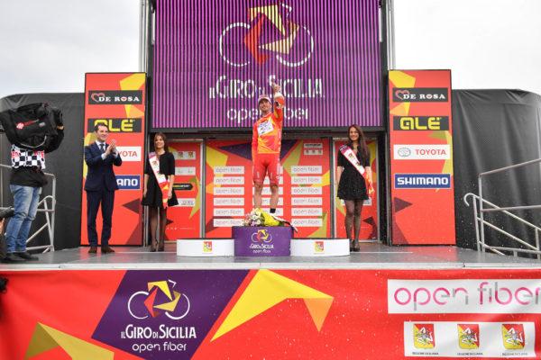 Foto LaPresse - Massimo Paolone4 Aprile 2019 Palermo (Italia)Sport CiclismoIl Giro di Sicilia 2019 - Tappa 2 - Da Capo D'Orlando a Palermo - km 236Nella foto: BELLETTI Manuel (ITA) (ANDRONI GIOCATTOLI - SIDERMEC)  durante la premiazionePhoto LaPresse - Massimo PaoloneApril 4, 2019 Palermo (Italy) Sport CyclingIl Giro di Sicilia - Stage 2 - From Capo D'Orlando to Palermo - 146,6 milesIn the pic: BELLETTI Manuel (ITA) (ANDRONI GIOCATTOLI - SIDERMEC)  during the ceremony award